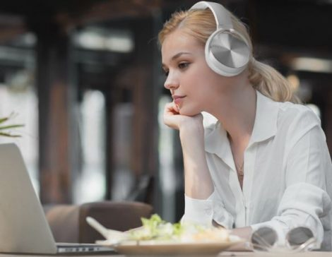Bluetooth headset Crispy 450TB - biely